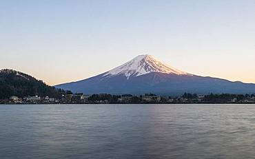Evening atmosphere, view over Lake Kawaguchi to volcano Mt. Fuji, Yamanashi Prefecture, Japan, Asia