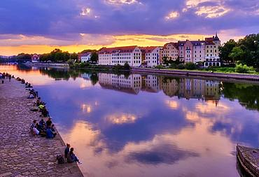 Danube and Upper Woehrd at dusk, Regensburg, Upper Palatinate, Bavaria, Germany, Europe