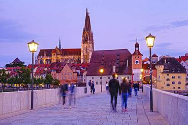 Stone bridge with cathedral and old town, Regensburg, Upper Palatinate, Bavaria, Germany, Europe