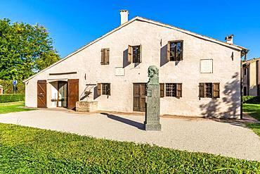 Stele with bust, birthplace of Guiseppe Verdi, Casa Natale di Giuseppe Verdi, Roncole Verdi, Busseto, Province of Parma, Emilia-Romagna, Italy, Europe