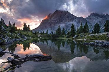 Evening atmosphere at Lake Lago de Limides and Lagazuoi, with water reflection, Dolomites, Alps, South Tyrol, Italy, Europe