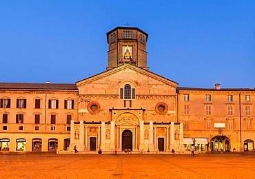Blue Hour, Piazza Prampolini with the Cathedral Santa Maria Assunta, Reggio Emilia, Emilia-Romagna, Italy, Europe