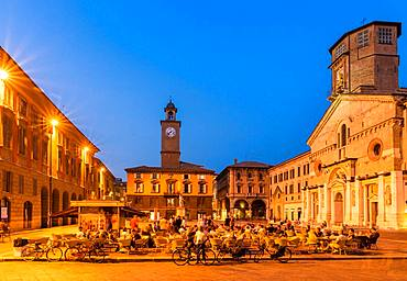 Piazza Prampolini with the Cathedral Santa Maria Assunta at dusk, Reggio Emilia, Emilia-Romagna, Italy, Europe