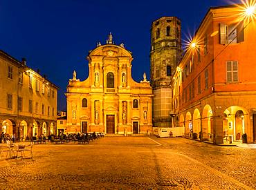 Piazza and Church of San Prospero at night, Reggio Emilia, Emilia-Romagna, Italy, Europe