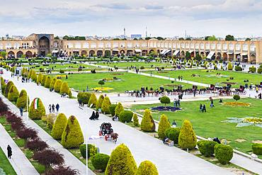View over Maydam-e Iman square, Esfahan, Iran, Asia