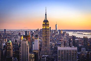 View of Midtown and Downtown Manhattan and Empire State Building from Top of the Rock Observation Center at sunset, Rockefeller Center, Manhattan, New York City, New York State, USA State, USA, North America