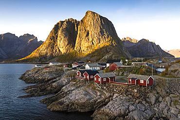 Rorbu fishing huts off Bergen, Hamnoy, Moskenesoy, Lofoten, Norway, Europe