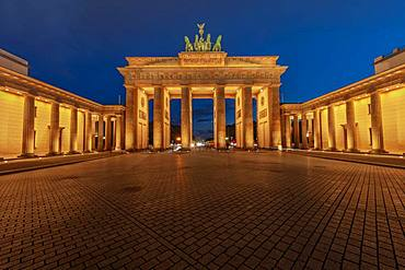 Brandenburg Gate with Quadriga at dusk, Pariser Platz, Berlin, Germany, Europe