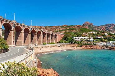 Railway viaduct in front of the Massif de l'Esterel, Antheor, Var, Provence-Alpes-Cote d'Azur, France, Europe