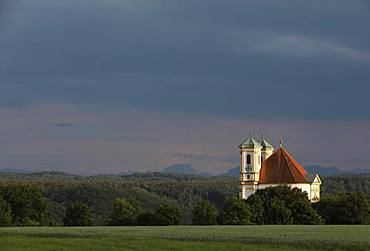 Church Marienberg above the Salzach valley, evening light, thunderstorm atmosphere, Burghausen, Upper Bavaria, Bavaria, Germany, Europe