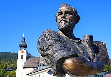 Gustav Klimt Statue.Unterach am attersee, Salzkammerguz, Upper Austria, Austria, Europe