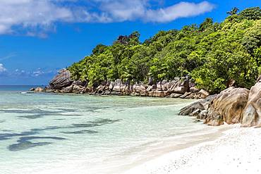 Granite rocks on the beach, La Digue Island, Seychelles, Indian Ocean, Africa