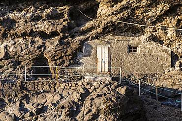 Cave dwelling on the cliffs near Puntagorda, Puerto de Puntagorda, Atlantic Ocean, La Palma, Canary Islands, Canary Islands, Spain, Europe