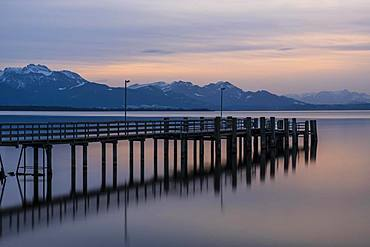 Footbridge at sunset at Chiemsee, Chiemgau and Schliersee Alps, near Chieming, Chiemgau, Alpine foothills, Bavaria, Germany, Europe