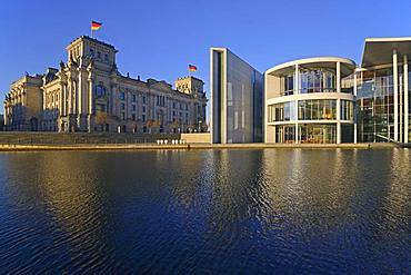 Reichstag and Paul Loebe House on the Spree, Morgenlicht, Berlin-Mitte, Berlin, Germany, Europe