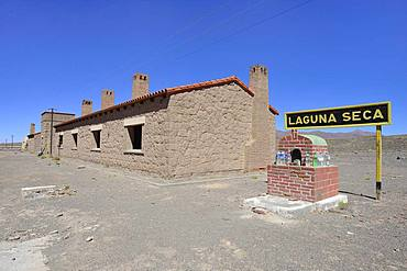 Old station building of Laguna Seca, Ruta 27, Puna, Salta Province, Argentina, South America