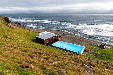 Krossneslaug, outdoor pool with hot spring by the sea, Krossnes, Arnes, Strandir, Westfjords, Iceland, Europe