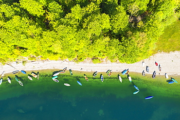 Rowing boats on the lake shore from above, Sylvensteinsee, near Lenggries, Isarwinkel, drone shot, Upper Bavaria, Bavaria, Germany, Europe