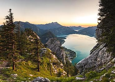 View from Schoberstein to Attersee and Mondsee, Schafberg, evening mood, Salzkammergut, Upper Austria, Austria, Europe