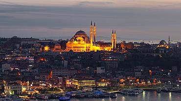 City view at dusk, Sueleymaniye Mosque, Sueleymaniye Camii, Suleiman Mosque, Golden Horn, Bosporus, Istanbul, European part, Turkey, Asia