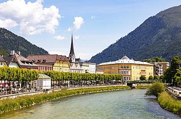 City view of Bad Ischl with river Traun, Esplanade with Cafe Zauner, Salzkammergut, Upper Austria, Austria, Europe