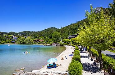 Bathing beach on the lake promenade, Fuschlsee, Fuschl am See, Salzkammergut, Province of Salzburg, Austria, Europe