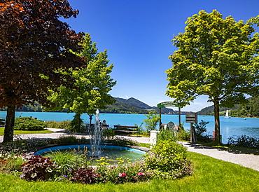 Fountain on the lake promenade, Fuschlsee, Fuschl am See, Salzkammergut, Province of Salzburg, Austria, Europe