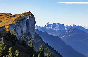 Loose plateau, behind it Dachstein massif, Totes Gebirge, Altaussee, Ausseerland, Salzkammergut, Styria, Austria, Europe