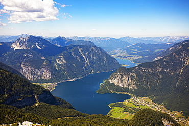 View from the Krippenstein to the Hallstaettersee Obertraun and Hallstatt, Salzkammergut, Upper Austria, Austria, Europe