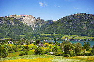View to the Wolfgangsee Sankt Wolfgang and Schafberg, in spring, Salzkammergut, Austria, Europe