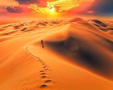 Amazing sunrise in Gobi desert. Khongor sand dunes, Umnugobi province, Mongolia, Asia