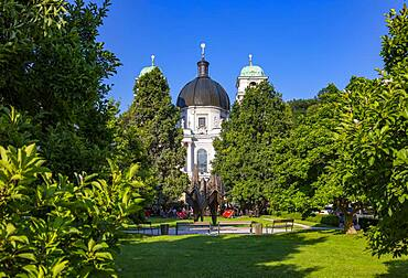 Makartplatz with Trinity Church, Salzburg, Province of Salzburg, Austria, Europe