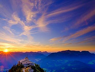 Eagle's Nest at sunset with cirrus clouds, behind Untersberg, Berchtesgaden Alps, Berchtesgaden National Park, Schoenau am Koenigssee, Upper Bavaria, Beyern, Germany, Europe