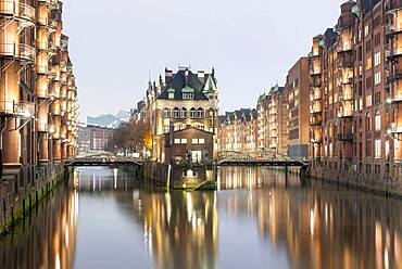 Moated castle, Fleetschloesschen, Speicherstadt, Hamburg harbour, Unesco World Heritage Site, Hamburg, Germany, Europe