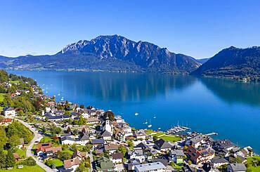 Drone recording, Unterach am Attersee with Hoellengebirge, Salzkammergut, Upper Austria, Austria, Europe