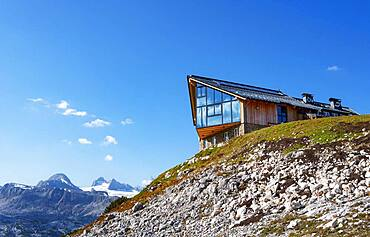 Restaurant Lodge with view to the Hoher Dachstein, Dachstein massif, Krippenstein, Obertraun, Salzkammergut, Upper Austria, Austria, Europe