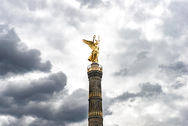 Goldelse, statue of St. Victoria on the Victory Column, Grosser Stern, Tiergarten, Berlin, Germany, Europe