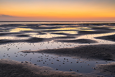 Mudflats in the evening light, beach at low tide, Wadden Sea National Park, North Sea, North Frisia, Schleswig-Holstein, Germany, Europe