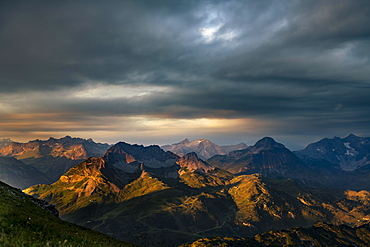 Dramatic light and cloud atmosphere over Allgaeu and Lechtal Alps, Baad, Kleinwalsertal, Vorarlberg, Austria, Europe