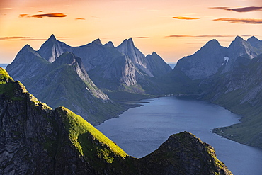 Evening atmosphere, view from Reinebringen, Reinebriggen, Reinefjord with mountains, Moskenes, Moskenesoey, Lofoten, Norway, Europe