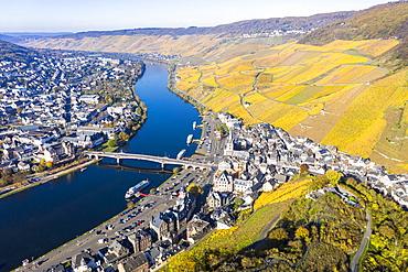Aerial view, Bernkastel-Kues, Moselle, Rhineland-Palatinate, Germany, Europe