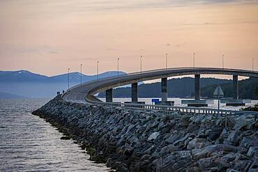 Bolsoybrua, Bolsoy Bridge over the Bolsoysund in the evening, More og Romsdal, Norway, Europe