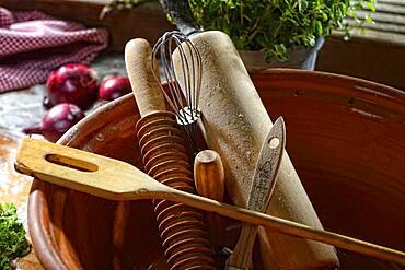 Cooking utensils, dough roller, cooking spoon