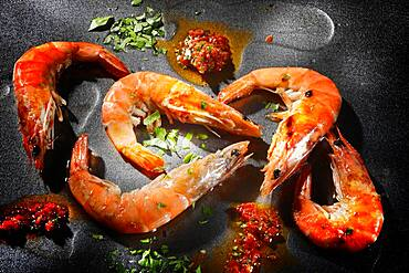 King prawns, tiger prawns with herbs