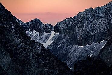 Sunrise over mountain ridge, Soelden, Oetztal, Tyrol, Austria, Europe