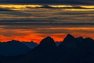 Sunrise over Oetztal Alps, Soelden, Oetztal, Tyrol, Austria, Europe