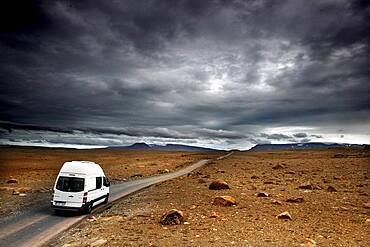 Highland track with Mercedes Sprinter Camper, Motorhome, F 550, Kaldadalsvegur, Kaldidalur, Highland, Iceland, Europe