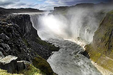 Waterfall, Spray, Break-off edge, Dettifoss, North Iceland, Highland, Iceland, Europe