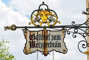Old nose sign, Gasthof zum Metzgerbraeu, Bad Toelz, Upper Bavaria, Bavaria, Germany, Europe