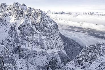 Grosser Waxenstein, Wetterstein mountains with snow in winter, Garmisch-Partenkirchen, Bavaria, Germany, Europe